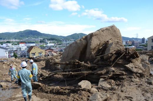 直径2メートルの巨石が襲ってきた