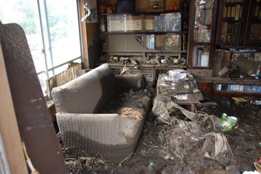 粒子の細かい土砂が家の隅々まで入り込む